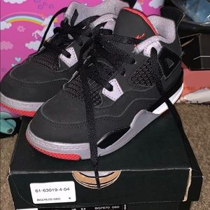 Black/Red/Cement Grey